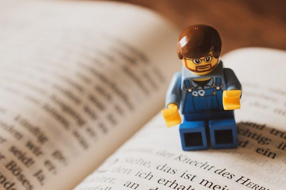 Ludzik lego - przekształcanie pracy